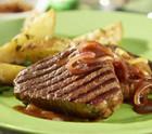 Rinderfilet mit Rosmarin-Kartoffeln & Zwiebeln