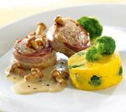 Schweinemedaillons an Kartoffel-Broccoli-Mousse